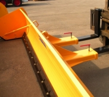 Forklift model pushers/box plows